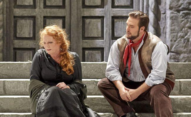 Eva-Maria Westbroek und Brian Jagde in der OperCavalleria Rusticana / Pagliacci an der Staatsoper