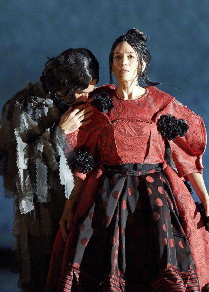 Kate Lindsey und Leigh Melrose in der Oper Orlando an der Wiener Staatsoper