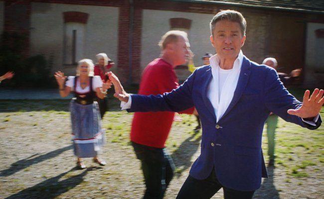 Alfons Haider lanciert mit den Wiener Pensionistenklubs den Schlager Tanz!