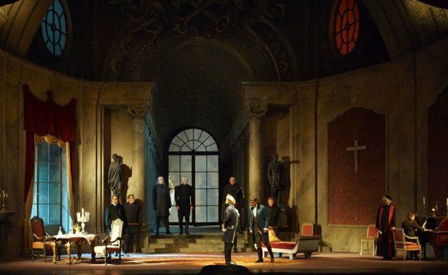 Szene aus der Oper Tosca an der Wiener Staatsoper als Streaming