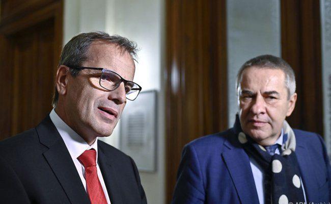 GÖD-Vorsitzender Schnedl (r.) und younion-Vorsitzender Meidlinger