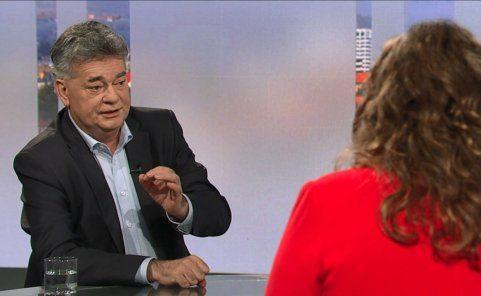 Werner Kogler spricht zu Fragen von Doris Vettermann in der ORF-Pressestunde