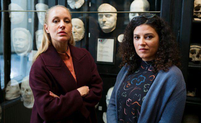 Lilian Klebow bei Dreharbeiten für die 16. Staffel der TV-Serie Soko Donau in Baden