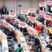 Die SPÖ-Fraktion im Parlament macht ein Titelbild für die Pensionsreform