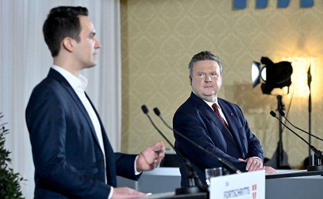 Neos-Wien Parteiobmann Christoph Wiederkehr und Bürgermeister Michael Ludwig