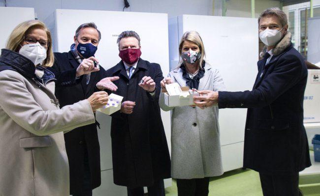 Erste Lieferung des Corona-Impfstoffes in Österreich eingetroffen